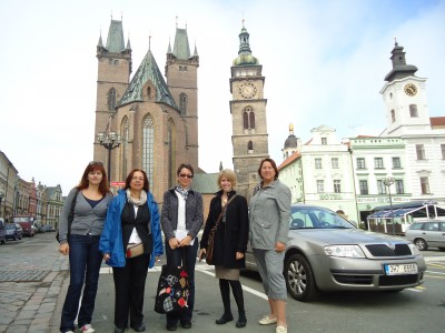 With Asuman Eray (Turkey), Daria Paro (HUPE Croatia), Molly McCord (MITESOL Michigan, USA) and Snezana Filipovic (ELTA Serbia) in the centre of Hradec Kralove.
